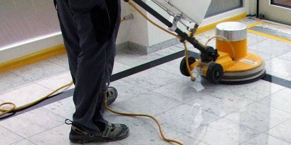 Servicios de limpieza y abrillantado en oficinas