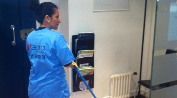 Suplencias para el servicio de limpieza en oficinas for Servicios de oficina